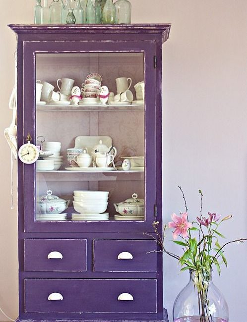 Ultra-violet-armoire-vitree-source-muerodeamorporladeco
